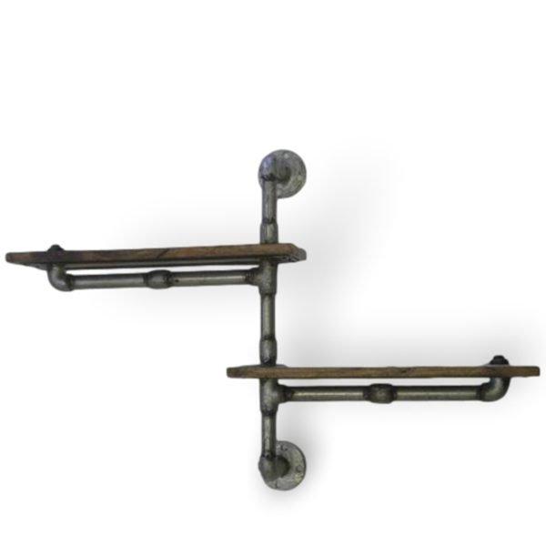 Mensola realizzata con tubolari in ferro e piani in legno riciclato