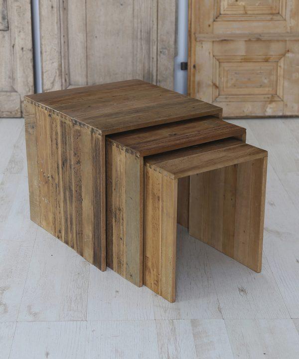 Tris tavolini in teak antico Francomario